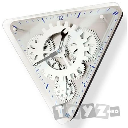 Fascinations Clocks: Ceas GearUp Triangle